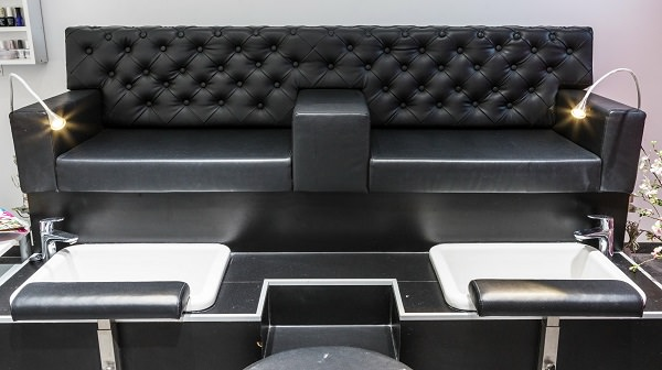 Gemuetliches Sofa für die Pedikuere