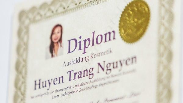 Diplom Zertifikat der Nailsdeluxe Inhaberin